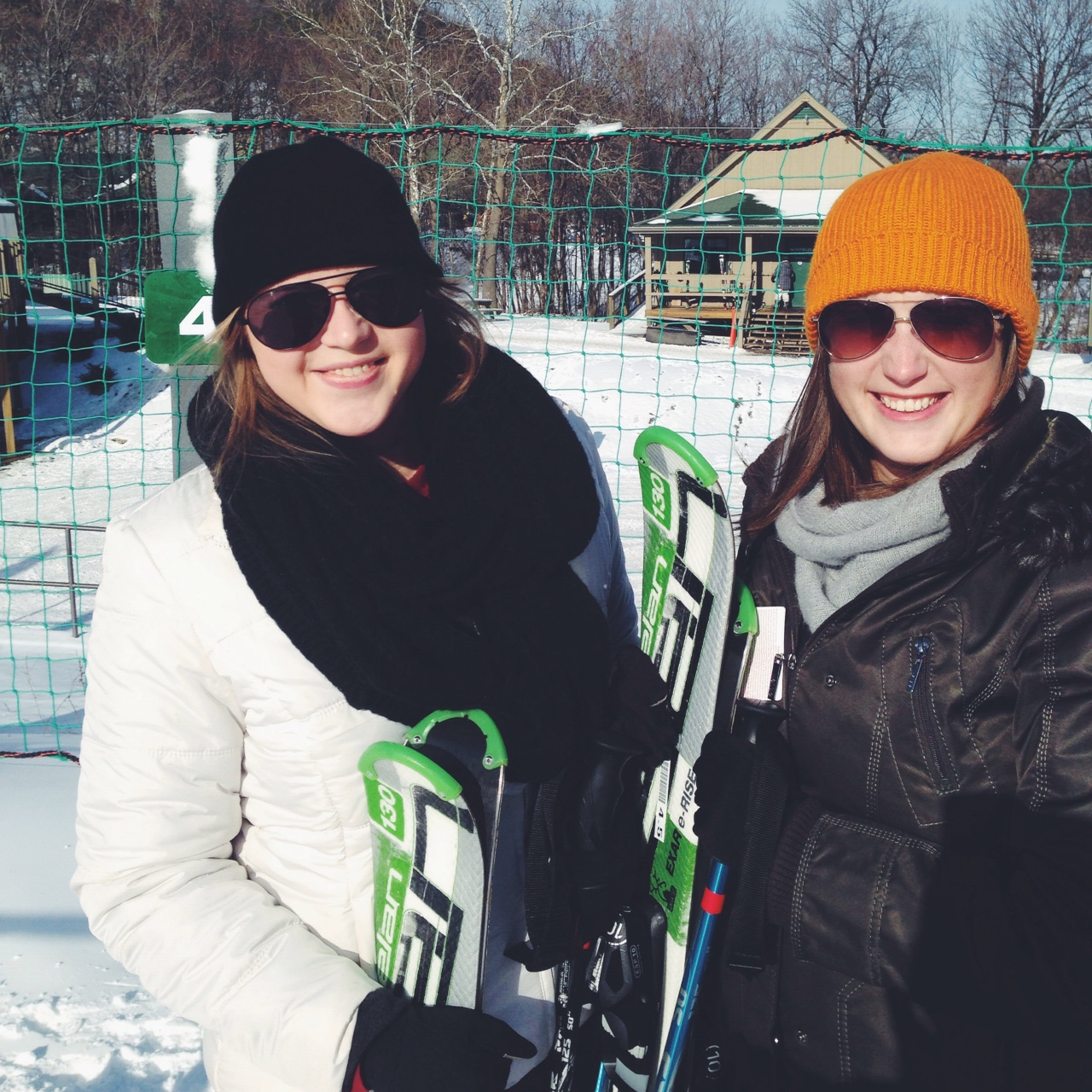 sisters on ski, white tail