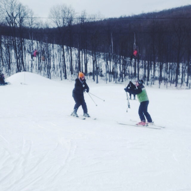 beginner skiing lesson